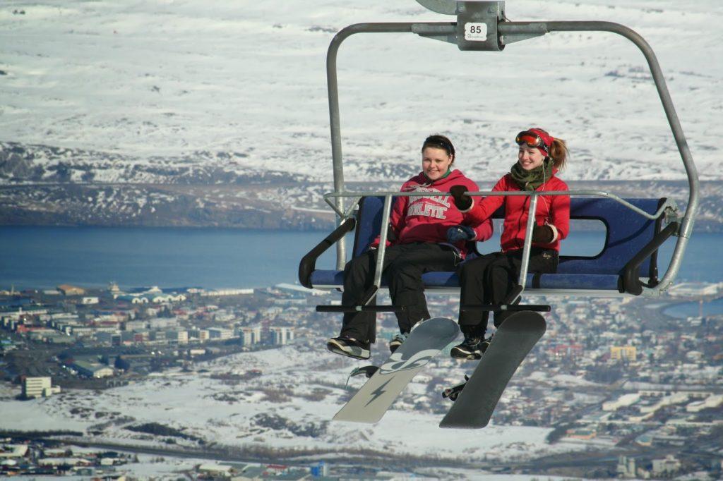 Skier en Islande