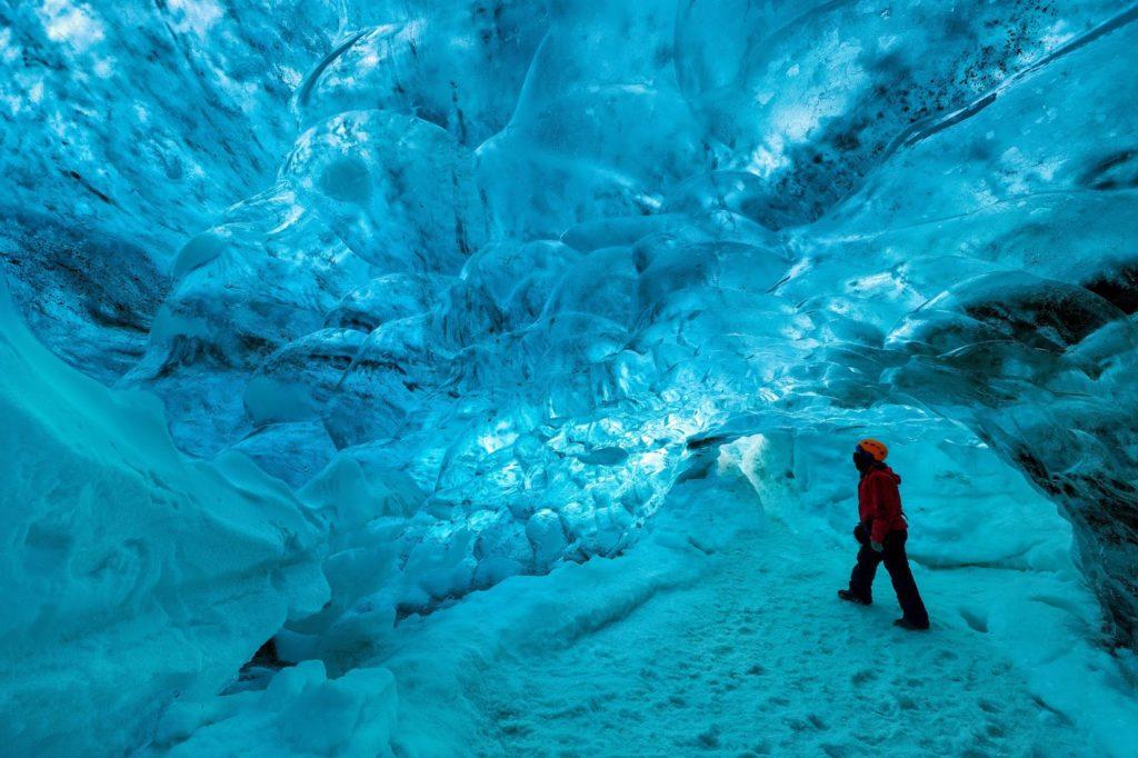 Grottes de lave et grottes de glaces en Islande